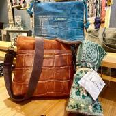 Les sacs Caramelo et Létol sont à découvrir en boutique et certaines collections sur notre E-Shop : www.bijoux-totem.fr   #sac #cuir #letol #cotonbio #espagnol #createurfrancais #woman #style #styleoftheday #bagleather #leather #shopping #shoppingaddict #shoppingonline