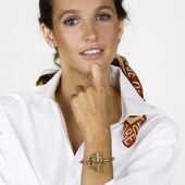 CXC-collection 2021 Adoptez ce bracelet au design épuré signé par la créatrice Concha Diaz Del Rio. En vente sur https://bijoux-totem.fr/10493-cxc   #bracelet #jonc #cxc #style #womenstyle #jewelryaddict #gold #design #newcollection #present #summer #spain #